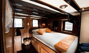 Seahorse Deluxe Double Cabin (one bed)